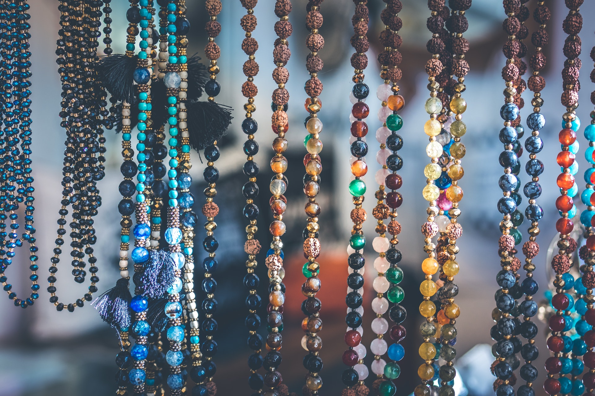 Complete Guide on How to Sell Jewelry Online - Places to ...